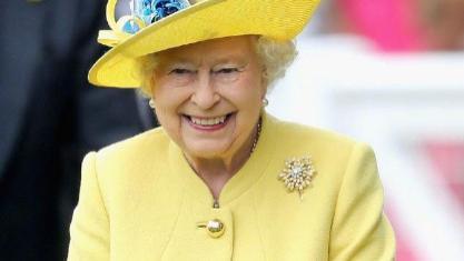 美丽优雅无关年龄!英国女王时髦精致,看看80岁的丹麦女王气质更绝!