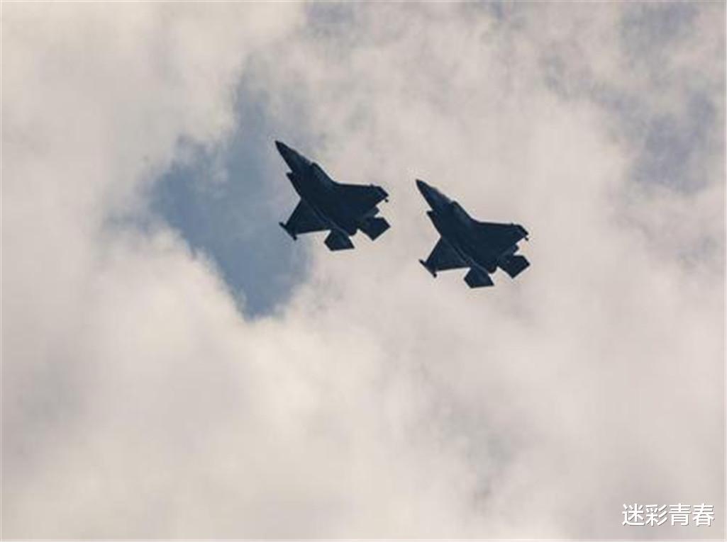 亞洲強國已失控,F-16戰機突襲民用目標,2名俄方記者遭到轟炸-圖4