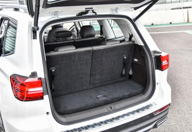 車身近5米的7座硬派越野 非承載全時四驅 優惠至15萬起-圖8