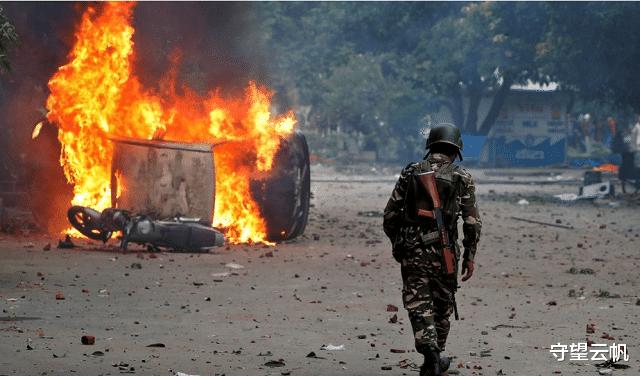 克什米爾爭議地區激烈交火,印軍遭遇襲擊,大批部隊趕來增援-圖3