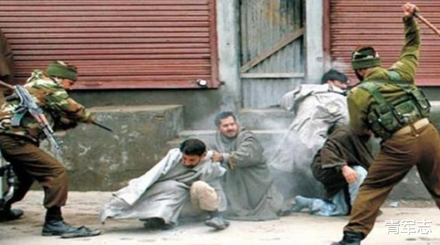 印軍擊斃3名