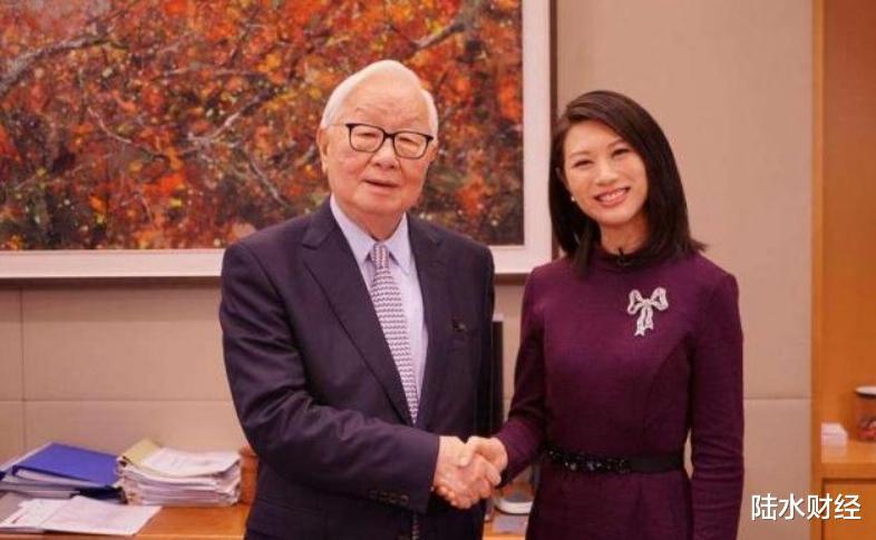 56歲開始創業,70歲娶瞭自己的秘書,今公司市值超2萬億-圖3