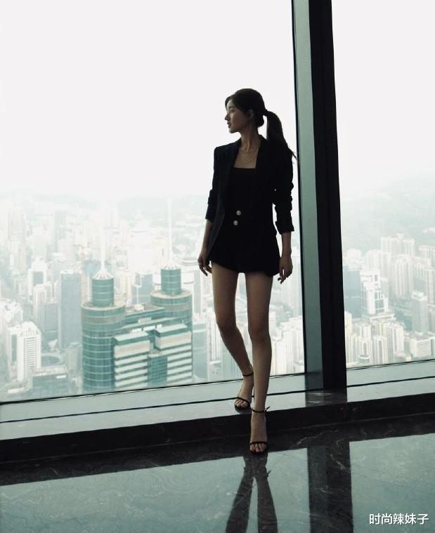 趙露思搭檔大18歲男星,演情侶太大膽,網友:都能演父女瞭-圖4