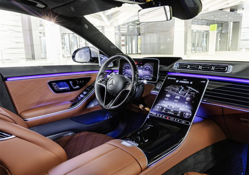 奔馳王牌轎車終於換代!車寬2109mm,標配空氣懸架,比7系更舒適-圖4