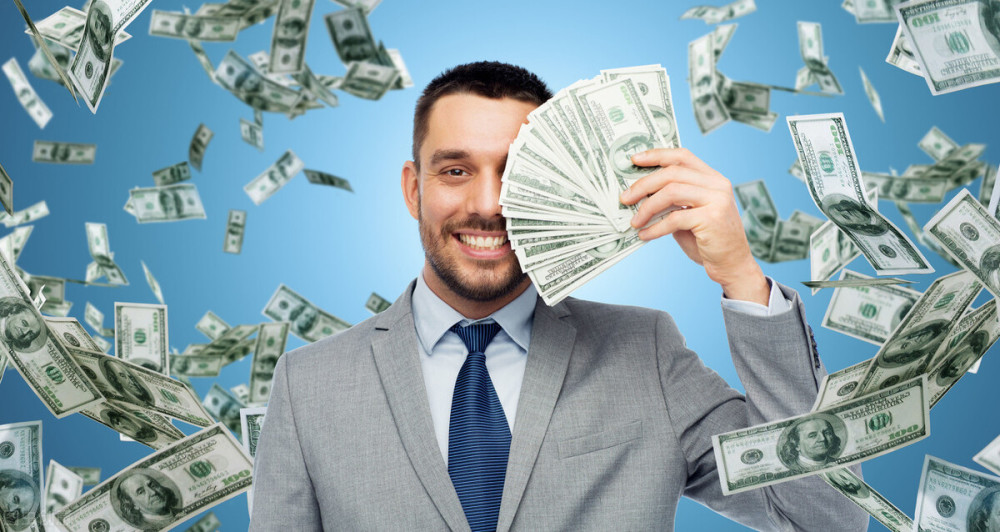 美媒:自今年3月以來,美國億萬富翁的財富增加瞭8450億美元-圖3