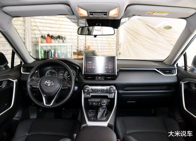 豐田新款平民SUV,四驅還有218馬力,滿油可以跑1200KM-圖6