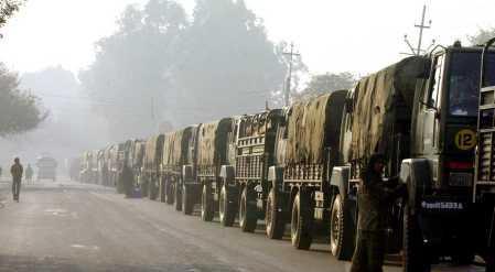 動手跡象愈發明顯!印軍封鎖一條邊境公路,連夜轉移附近所有村民-圖2