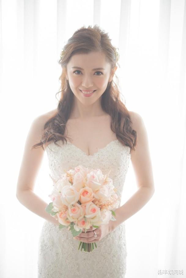 恭喜!袁文傑與44歲女友低調結婚,絕美婚紗照曝光,溫馨且浪漫-圖6