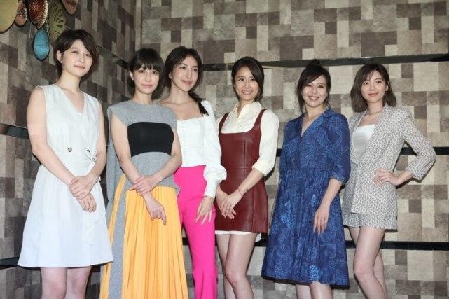 林心如新戲發佈會,與楊謹華攜五男神驚艷亮相,霍建華客串未露面-圖8