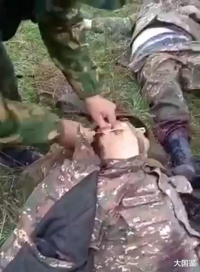 亞美尼亞戰俘生不如死,被踩在腳底割下耳朵,暴行突破文明底線-圖2