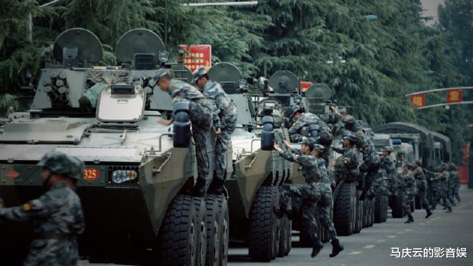 鄭爽《絕密者》撤檔,於震《藍軍出擊》來襲,氣勢不輸《戰狼2》-圖6
