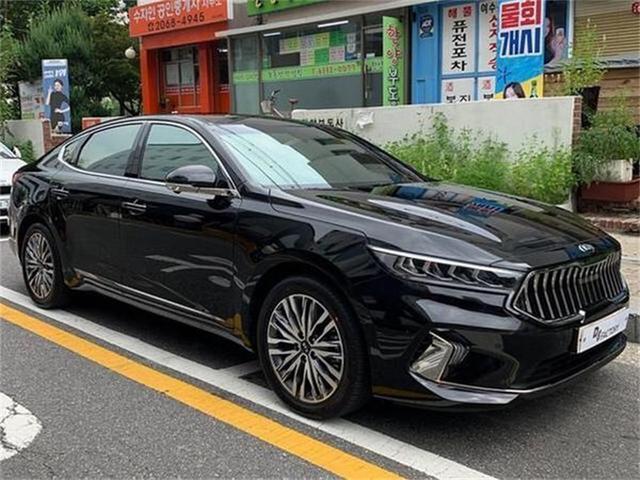 """韓版""""瑪莎拉蒂""""!全新起亞K7實拍,起步V6,氣場不輸A6L-圖6"""