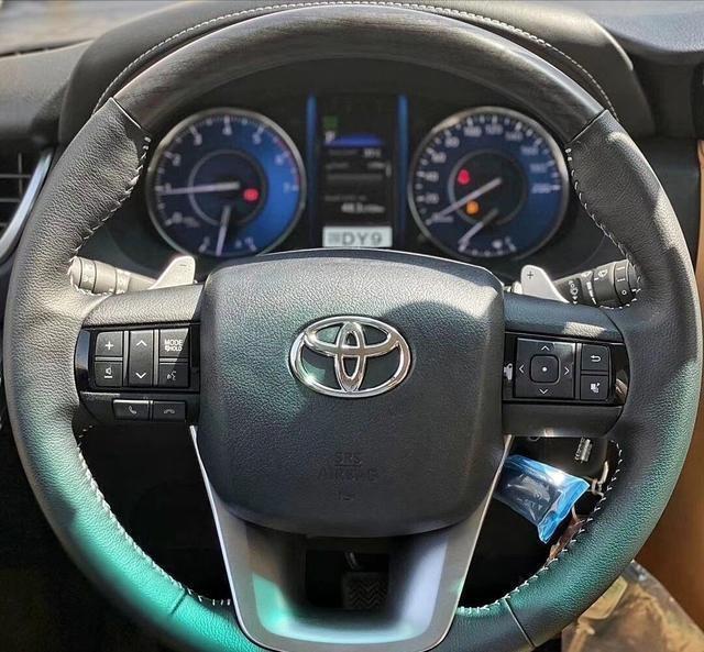"""豐田""""王牌""""SUV來襲!2.8T+四驅,預售28萬,越野比帕傑羅還霸氣-圖7"""