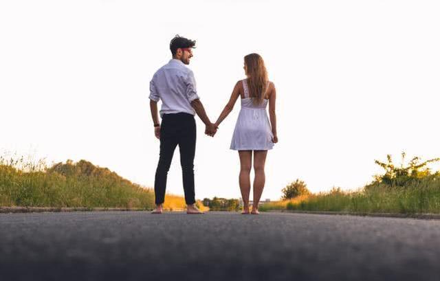 讓男人著迷的女人,是如何處理親密關系的?-圖3