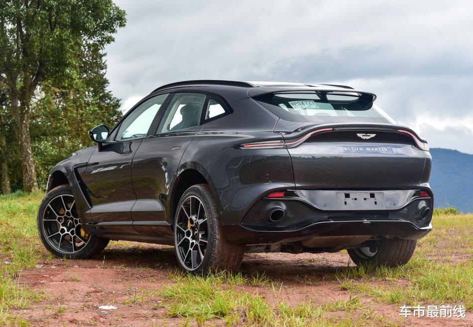 又一豪華品牌涉獵SUV領域,性能比大牛還厲害,砸鍋賣鐵也要買臺-圖3