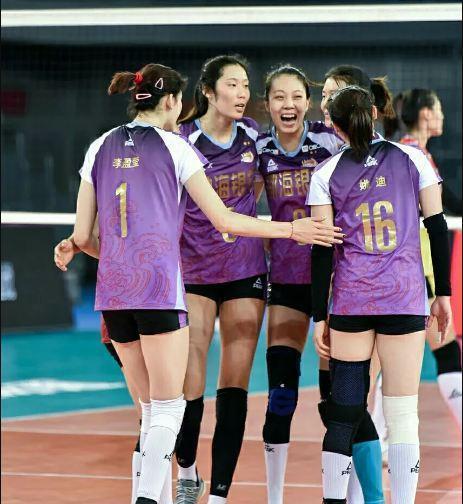 朱婷脸色很不好!李盈莹伸脚过线伤人,天津女排3比1获胜一场