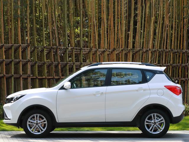 長安發力小型SUV市場,CVT自動不到6萬,滿油跑800Km-圖3