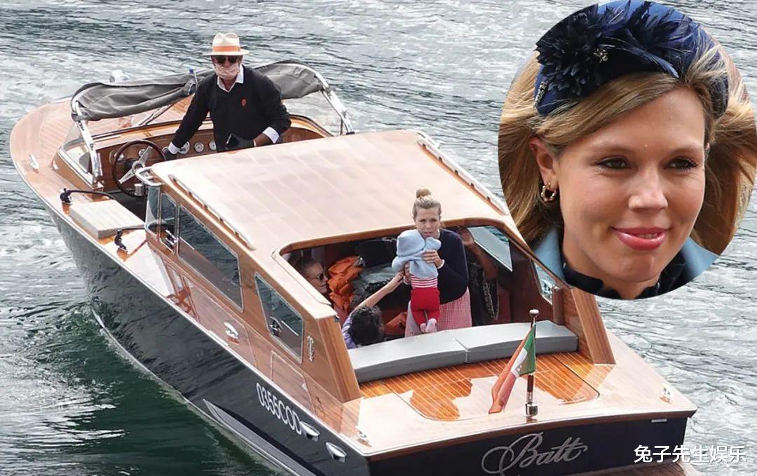32歲英國第一夫人太邋遢,素顏帶5個月兒子度假,打扮土氣又凌亂-圖5