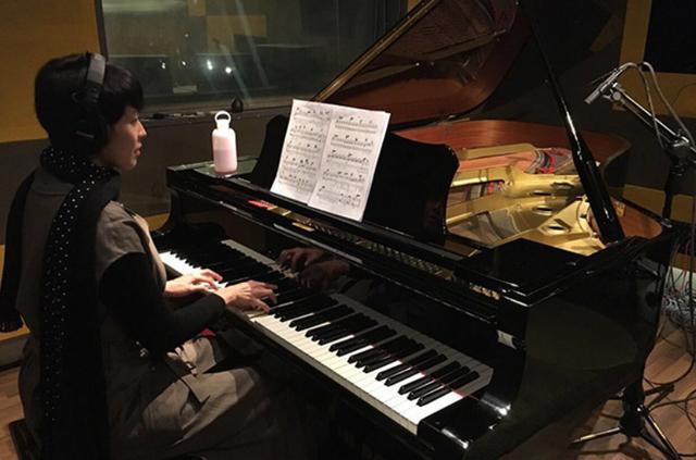 走进梁咏琪现实中的家,女儿从小就学钢琴,是要传承妈妈的衣钵吗