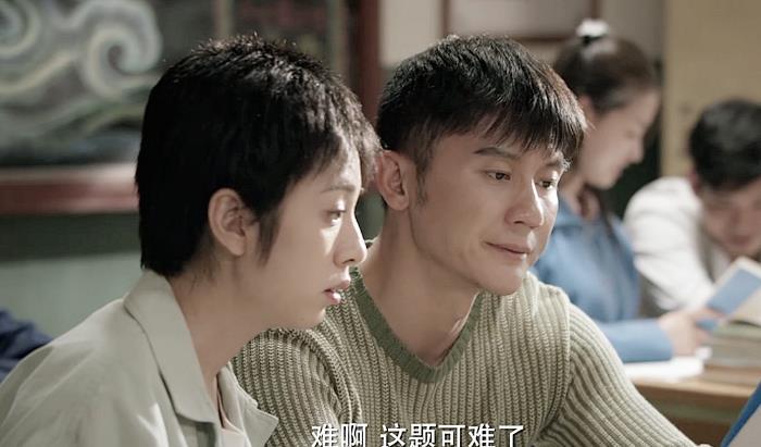 42歲李晨裝嫩演高中生,磨皮都蓋不住一張老臉,尬到眼睛都疼-圖4