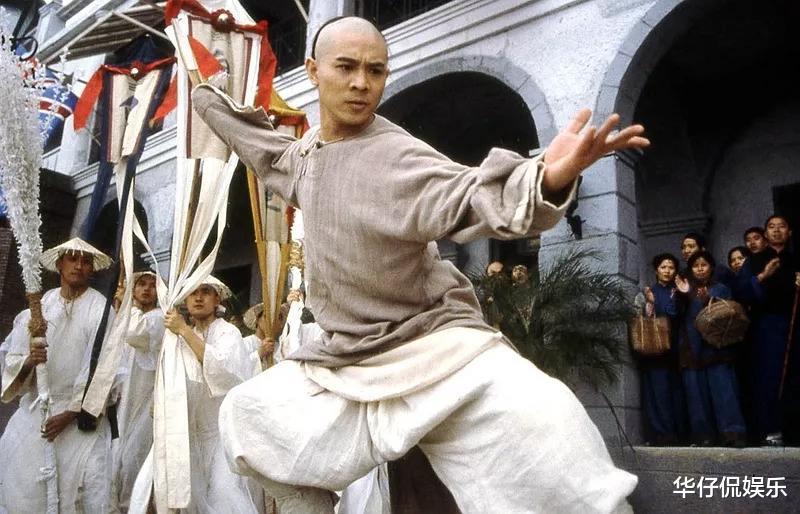李連傑憑什麼打進好萊塢?這部電影,因誇張動作卻改變瞭香港電影-圖2