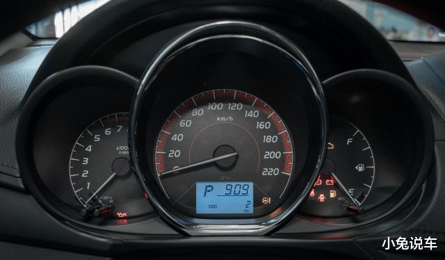 一代經典傢用車,從14萬降到5.78萬,35萬KM不用修-圖5