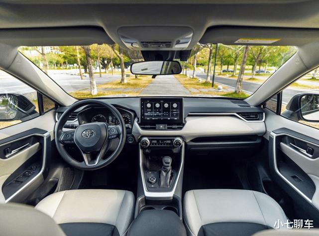 比漢蘭達還火的又一豐田SUV,上市三月新車銷量節節攀升,質量穩定油耗低-圖9