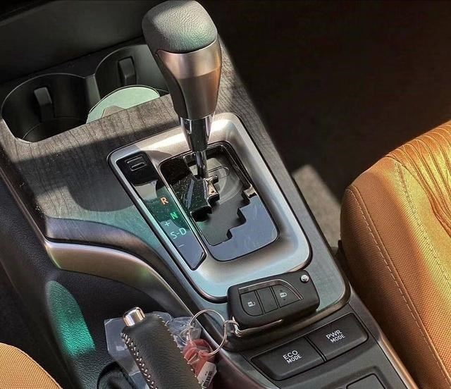 """豐田""""王牌""""SUV來襲!2.8T+四驅,預售28萬,越野比帕傑羅還霸氣-圖6"""