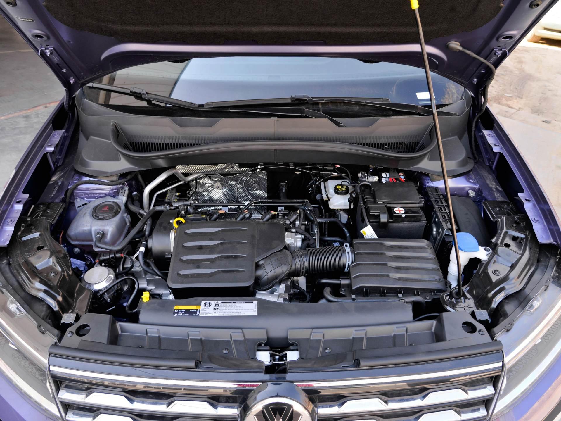 還看啥XRV,1.5L+6AT油耗5.9L,標配LED大燈,實力很足-圖5