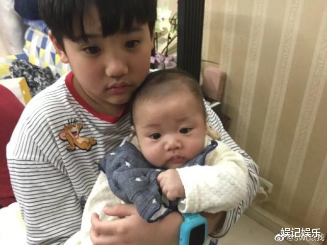 郭碧婷在娘傢慶生畫面曝光,外甥抱小嬰兒出鏡,畫面很有愛-圖6