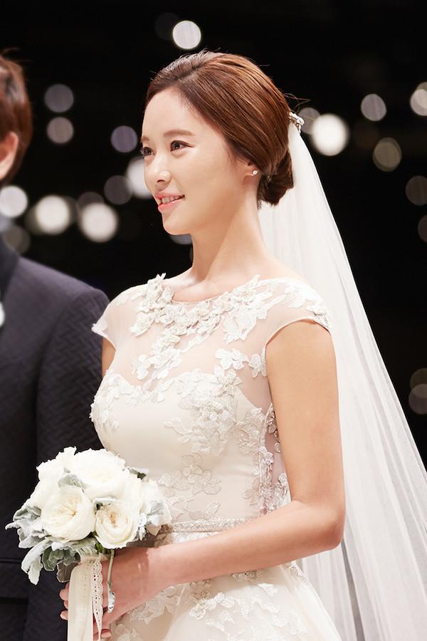 35歲韓國女星黃正音申請離婚,和老公結婚4年育有一子-圖5