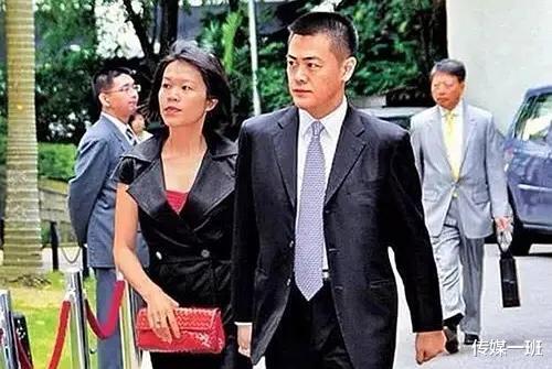 劉鑾雄反骨兒子帥而多金,偏愛灰姑娘,放棄10年的妻子和龍鳳胎-圖7