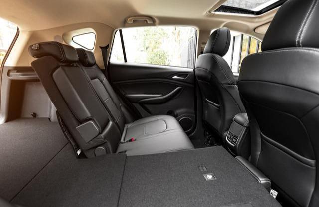 平民SUV,6.99萬帶仿皮座椅,空間超cs75,周銷三千,帥過哈弗-圖9