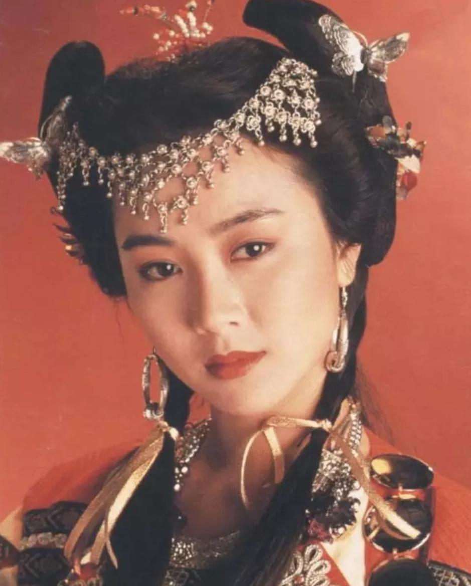 有一種驚艷叫劉鑾雄歷任女友,個個美若天仙,李嘉欣姿色隻算一般-圖9