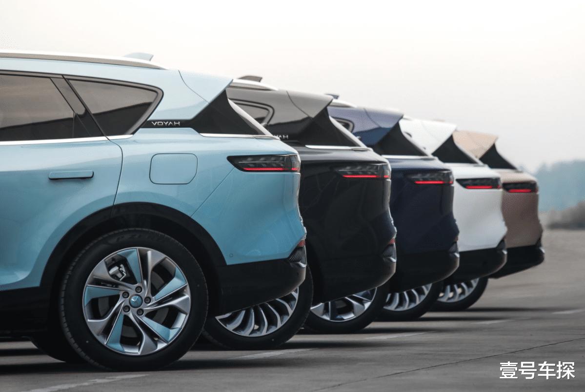 同級少有的大五座性能SUV,1040牛·米+空氣懸架,售價也就30多萬-圖3