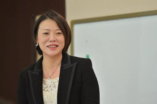"""中國80後女首富:創業3年身價700多億,旗下公司與""""煙""""有關-圖3"""