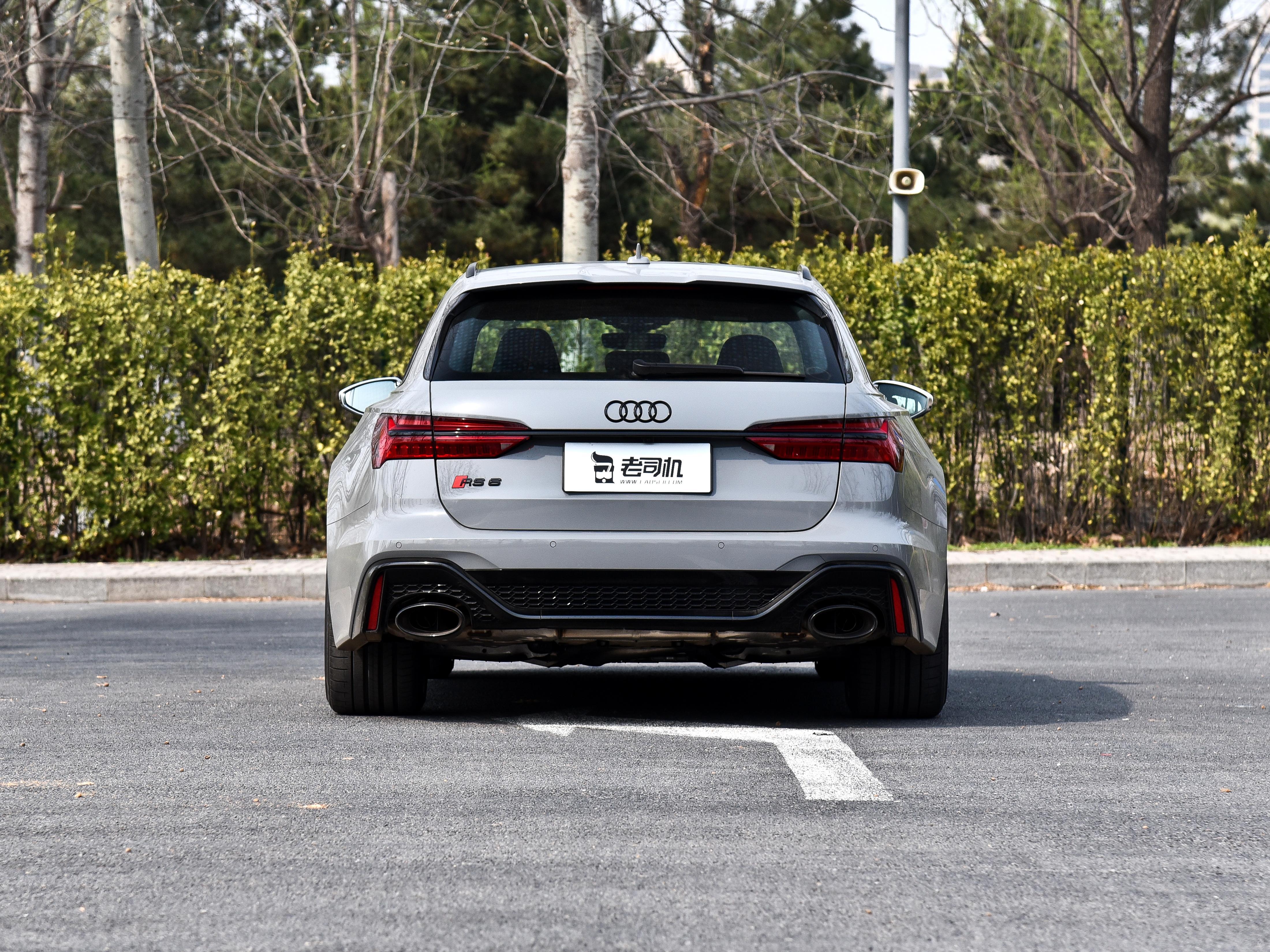 大V8的進口奧迪高端車,性能強悍後備箱還特別大,實拍奧迪RS 6-圖3