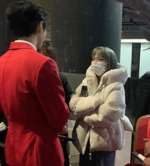 王俊凱女經紀人男友曝光,背影神似小凱,網友:顏值高到能出道?-圖3