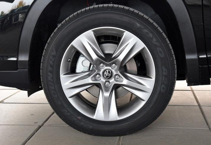 詳解21款豐田漢蘭達四驅版:加速、剎車、油耗實測報告-圖4