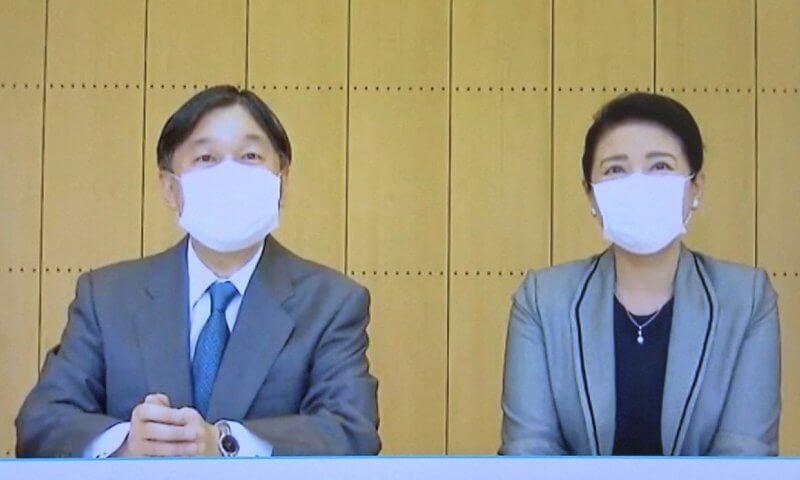 日本57歲雅子皇後眼袋超顯老!與天皇穿情侶裝,黑裙搭灰西裝霸氣-圖4