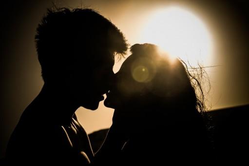 28歲女子和男閨蜜見面毀瞭自己的婚姻,男女之間有純粹的友誼嗎?-圖2