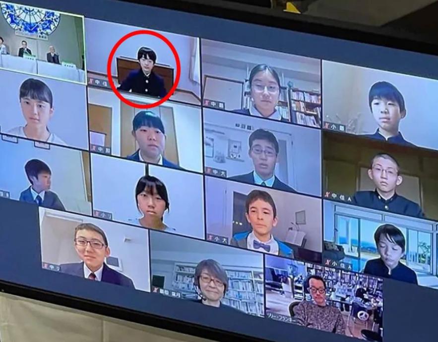 日本皇室唯一獨苗15歲瞭,瞇瞇眼一副憨憨像,比香腸嘴提幫功懂事-圖2