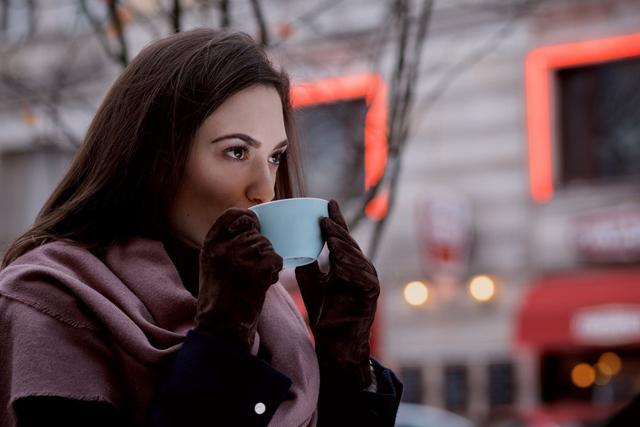 心理學:女人默許你的這些行為,潛臺詞是被你征服瞭-圖8