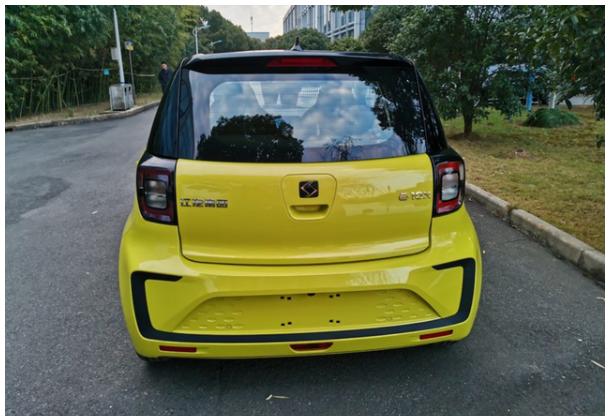江淮推出3.99萬的SUV,價格比宏光mini便宜,空間夠大-圖3