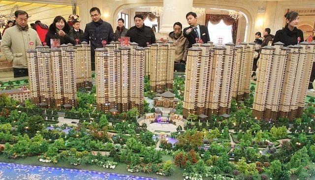 銀行行長坦言:再過10年,房子和現金都會貶值,2樣東西更寶貴-圖3
