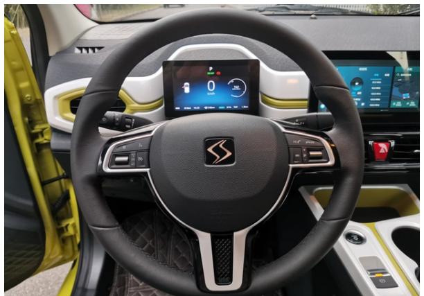 江淮推出3.99萬的SUV,價格比宏光mini便宜,空間夠大-圖5