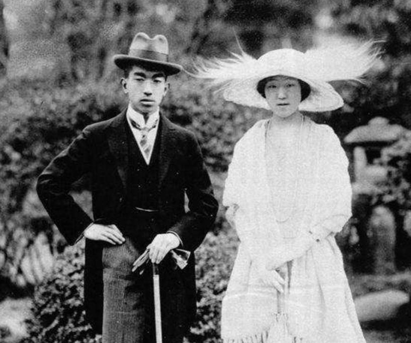 日本皇室唯一獨苗15歲瞭,瞇瞇眼一副憨憨像,比香腸嘴提幫功懂事-圖5