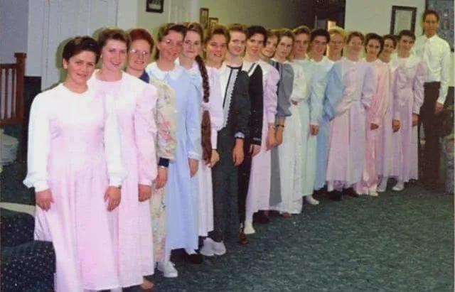 16年前被抓的美國恐怖教主,擁有87個妻子,連未成年也不放過-圖4