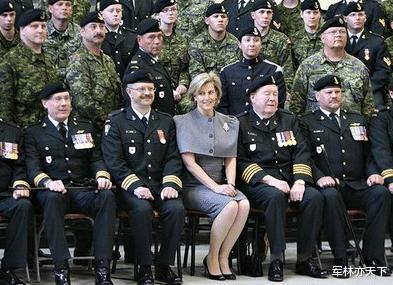韋塞克斯伯爵夫人,英國女王的小兒媳,空軍準將,擔任7個軍職-圖5