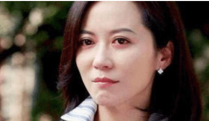 """年過50的俞飛鴻,""""騙""""瞭娛樂圈10年,終於承認終身不嫁的原因!-圖2"""